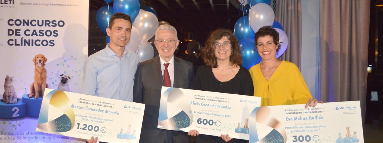 Jaime Grego, presidente de LETIPharma (segundo por la izquierda), junto a los 3 premiados del I Concurso de Casos Clínicos en veterinaria.
